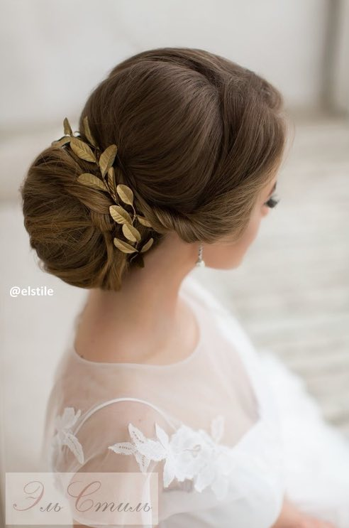 With Chic Artistic Details Elstile Never Fails To Give Us The Most Elegant Wedding Hairstyle Inspiration Scroll Through Find Your Favorite Updos And
