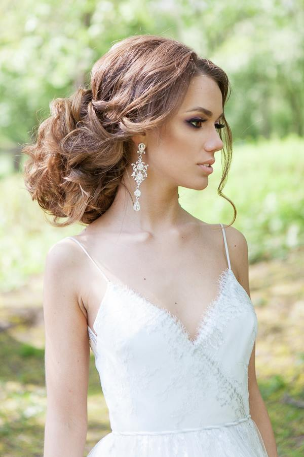 Wedding Hairstyles For A Gorgeous Wavy Look Modwedding