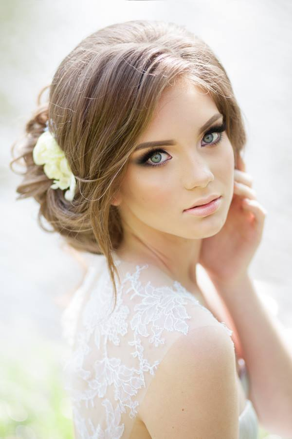Wedding Hairstyles for a Gorgeous Wavy Look - MODwedding