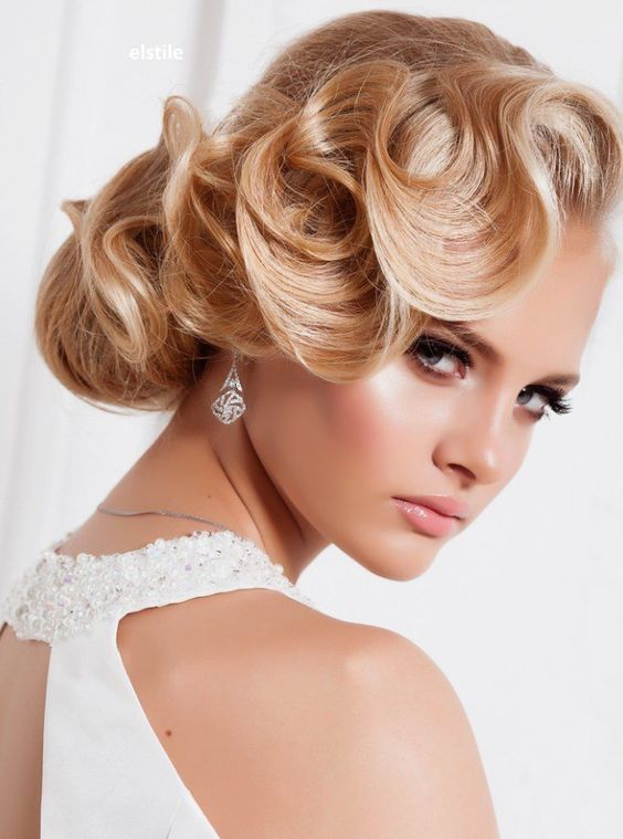 Does A Wedding Makeup Artist Charge : How Much Do Wedding Day Hair and Make-up Cost?