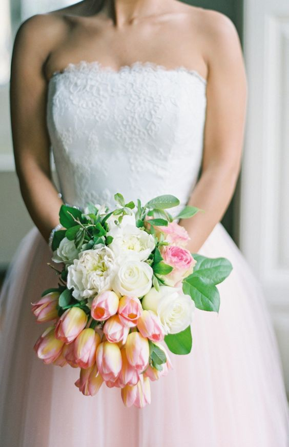 tulips wedding bouquet wedding planning who pays for the bridal shower modwedding 8096
