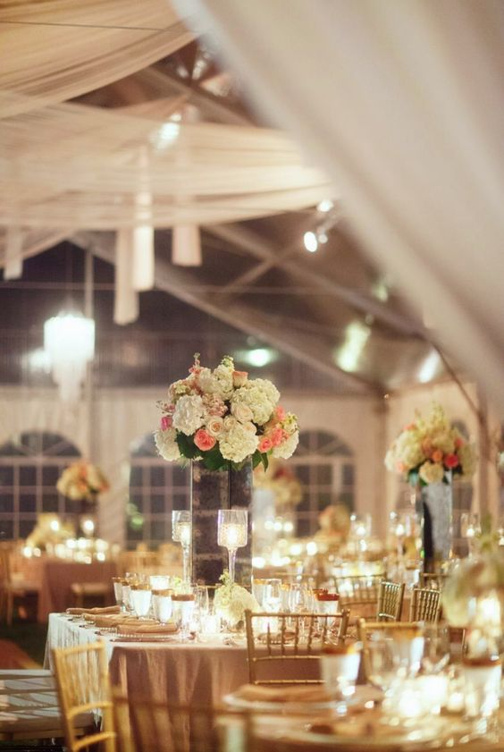 Wedding reception planning things to do modwedding for Fun things for wedding receptions