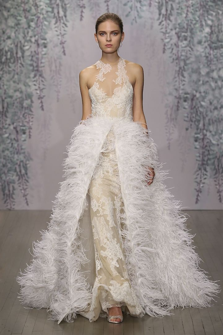 Top 5 glamorous wedding trends 2016 modwedding for Wedding dress with ostrich feathers